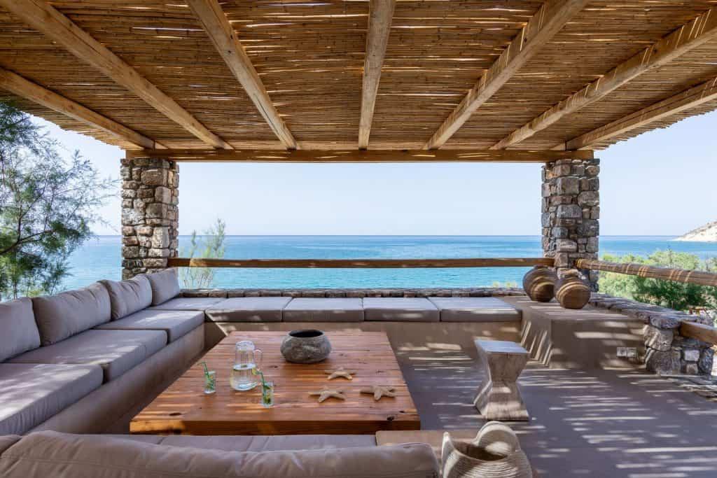 beach-house-arvi-18-00077