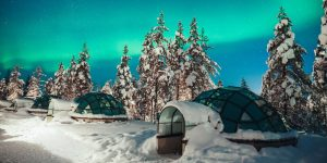 104845265-Kakslauttanen_glass_igloo_Northern_Lights_2