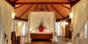 Banyan-Tree-Ras-Al-Khaimah-Beach-Beach-Villa-Bedroom-2400x1596