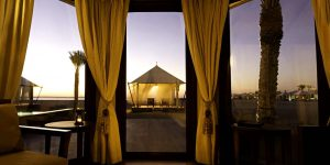 Banyan-Tree-Ras-Al-Khaimah-Beach1-Beach-Villa-in-the-Evening