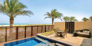 Beach_View_Suite_Terrace_with_plunge_poo