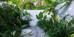 Crusoe-Villa-Suite-outdoor-bathroom-by-Mark-Luscombe-whyte