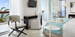 Eagles-Palace-juniorsuite-seafront-with-jacuzzi