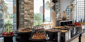 Eagles-Palace-restaurant-buffet