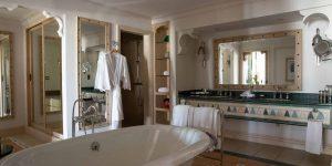 High_resolution_300dpi-Jumeirah Dar Al Masyaf - Gulf Arabian Suite Bathroom