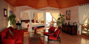 Kuredu-Island-Sangu-Water-Villa-Suite-interior
