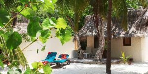 Kuredu-Island-beach-bung-exterior