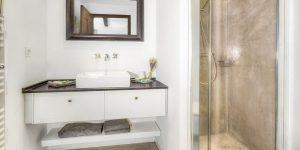 LaGaline-bathroom-1
