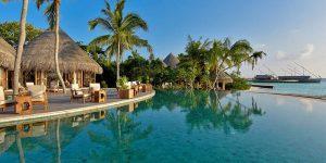 Milaidhoo-Maldives-Pool-Bar