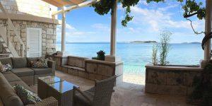 Mimis Beach house terrace