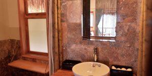 Puluong_retreat_Vietnam_bungalow_restroom1