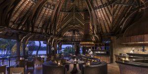 Safran Restaurant Nighttime