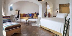 Sardinien-Cala-de-Volpe-Premium-Suite-Bedroom