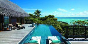 Shangri-Las-Villingili-Tree-House-Villa-deck-and-infinity-pool