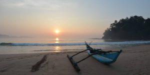Solnedgang-pa-Talalla-Beach2