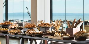 Sunday-brunch-at-Alila-Seminyak