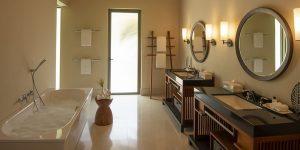 The-Residence-Dhigurah-bathroom