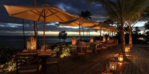 The-Residence-Zanzibar-The-Dining-Room-Dinner-on-The-Deck-by-Dusk-DS1206