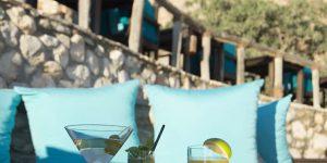 Zighy-Beach-Drinks-on-the-Edge
