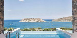 herlc-pool-view-guestroom-0002-hor-clsc