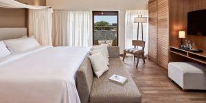 herlc-twobedroom-king-guestroom-9984-hor-clsc