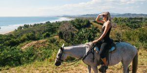 horseback-riding-vista-costa-rica