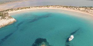 klxwi-attraction-navarino-seayachting-8551-hor-clsc