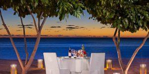 str3459ag.144513_STR MRU_Private Dining on the Beach